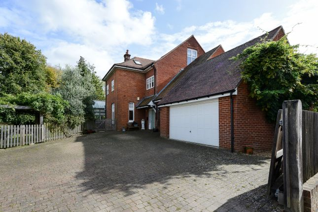 Thumbnail Semi-detached house for sale in London Road, Uckfield