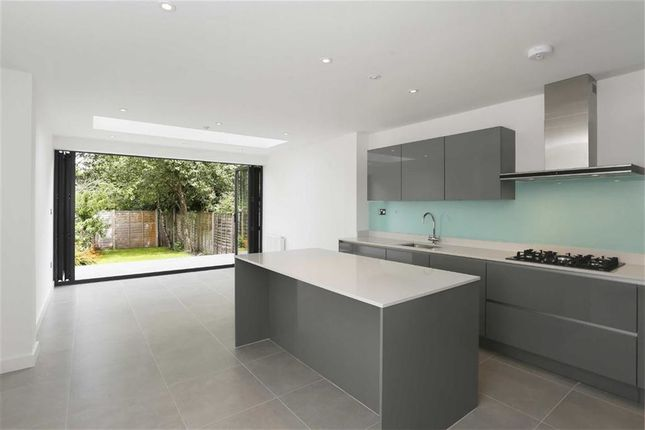 Thumbnail Terraced house for sale in Howards Lane, Putney