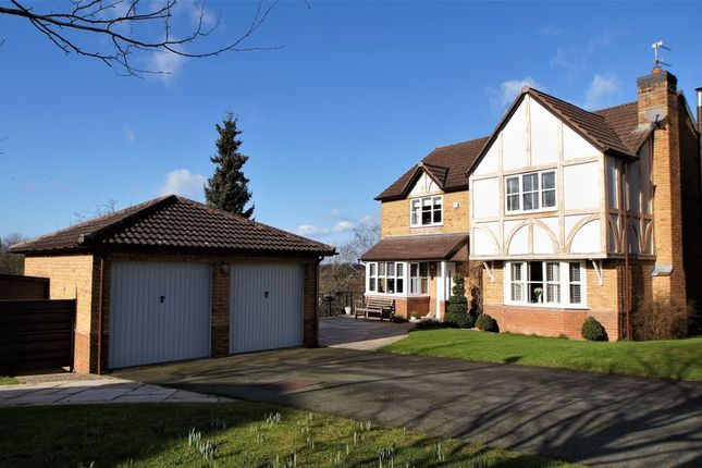 Thumbnail Property for sale in Cedar Close, Holmes Chapel, Crewe