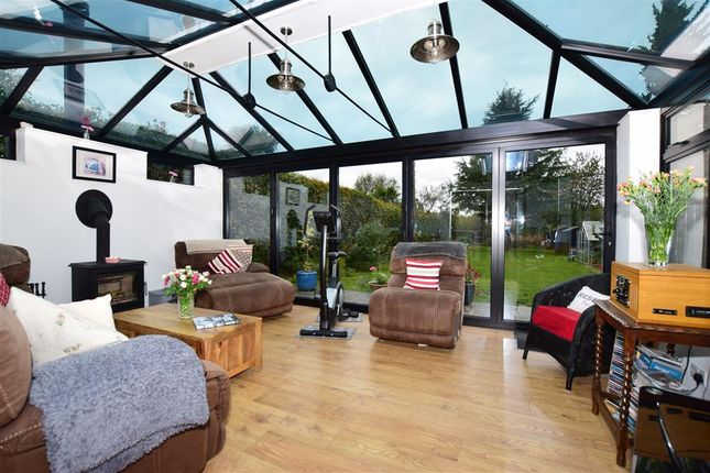 4 bed detached house for sale in Dean Street, East Farleigh, Maidstone, Kent ME15