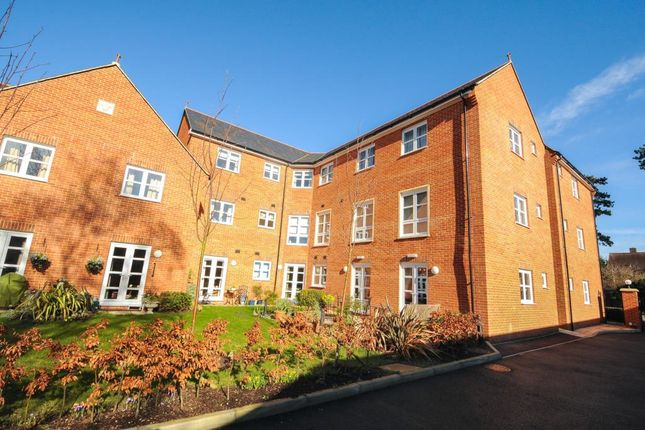 Thumbnail Flat for sale in Wootton Road, Abingdon