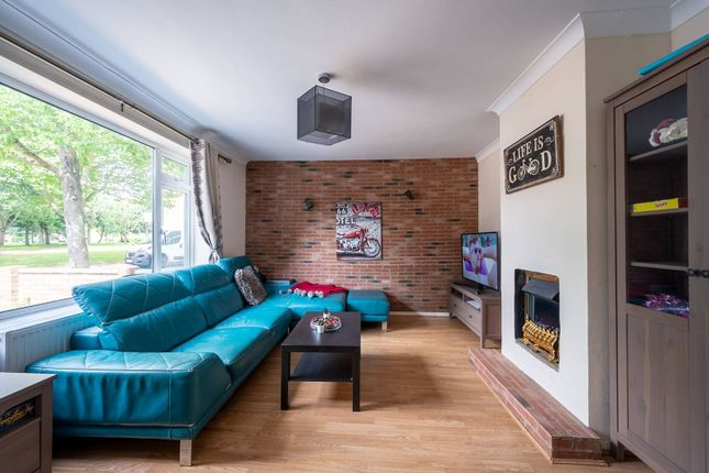 Thumbnail Property for sale in Strathdon Drive, Earlsfield, London