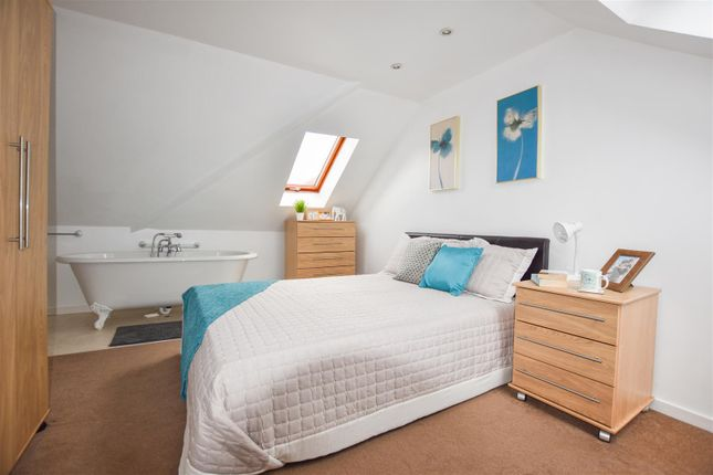 Thumbnail Property to rent in Hurst Road, Bexley