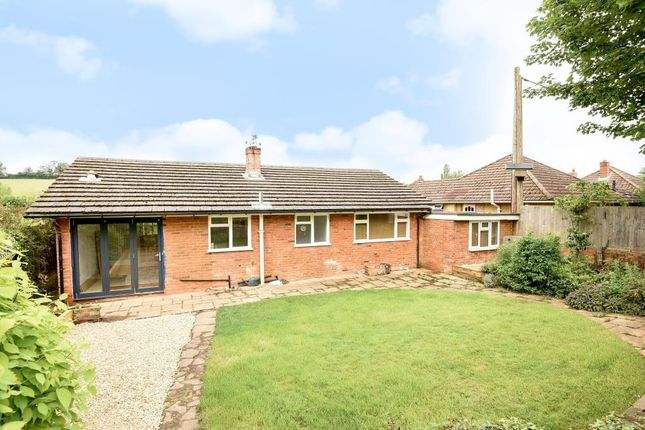 Thumbnail Detached bungalow to rent in Vale Road, Chesham