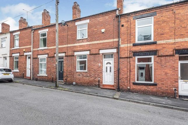 2 bed terraced house to rent in Queen Street, Pontefract, West Yorkshire WF8