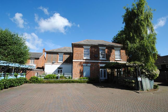 Thumbnail Flat to rent in Alfredston Place, Wantage