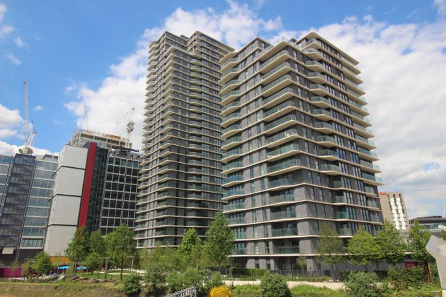 2 bed flat to rent in Westfield Avenue, Stratford