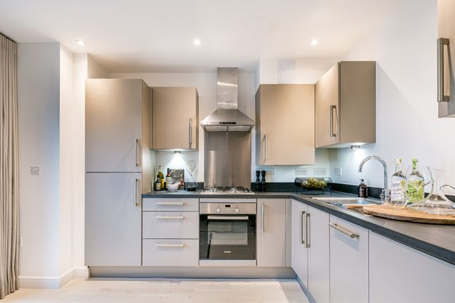 1 bedroom flat for sale in Staines Road, Hounslow