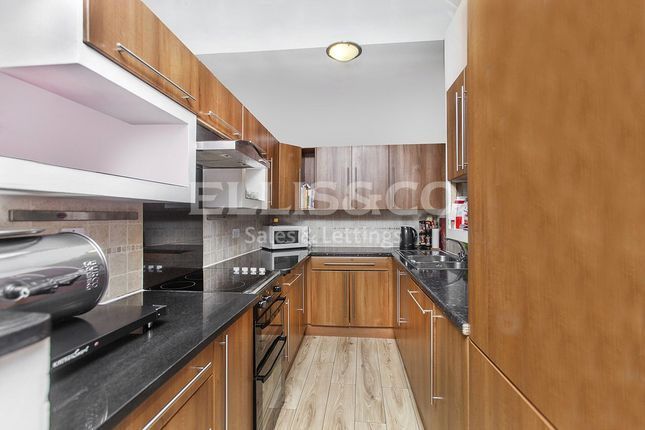 Thumbnail Flat to rent in St Mary's Road, London
