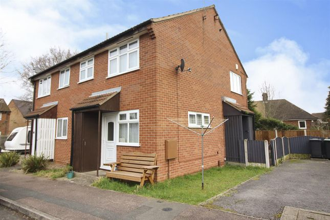 Front of Camdale Close, Beeston, Nottingham NG9