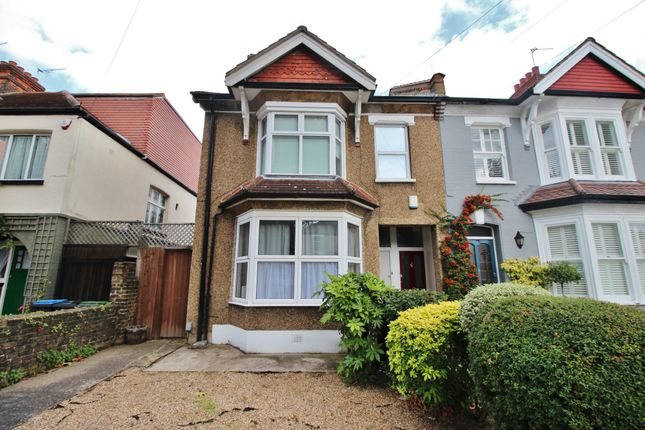 Thumbnail Flat for sale in Wellington Road, Bush Hill Park, Enfield, London