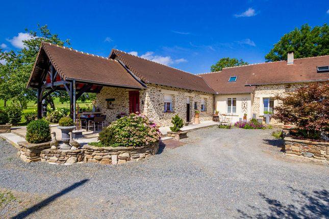 Thumbnail Villa for sale in Segur Le Chateau, Corrèze, Nouvelle-Aquitaine