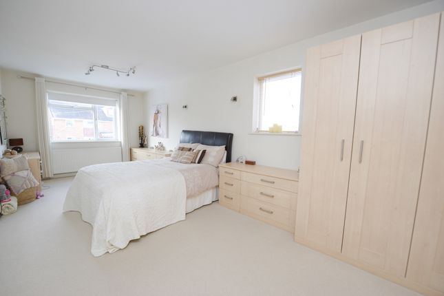 Bedroom 1 of Deerlands Road, Chesterfield S40