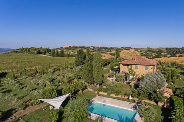 Thumbnail Country house for sale in Tcr-069 Renello, Pienza, Siena, Tuscany, Italy