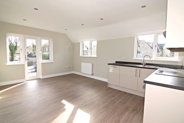 Thumbnail Flat for sale in Ascott Road, Shipton-Under-Wychwood, Chipping Norton