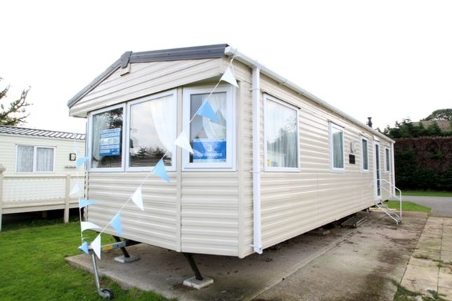 3 bed mobile/park home for sale in Valley Road, Clacton-On-Sea