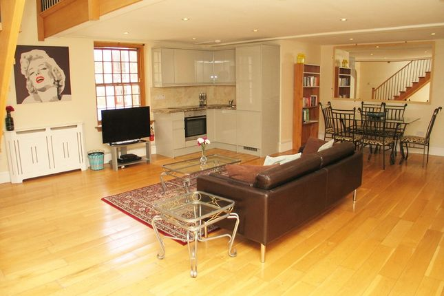 Flat for sale in West Park Road, Southall
