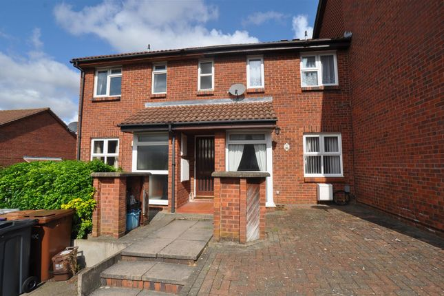 Thumbnail Flat to rent in Sanderling Close, Letchworth, Hertfordshire