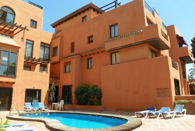 2 bed apartment for sale in Spain, Málaga, Estepona, Cancelada