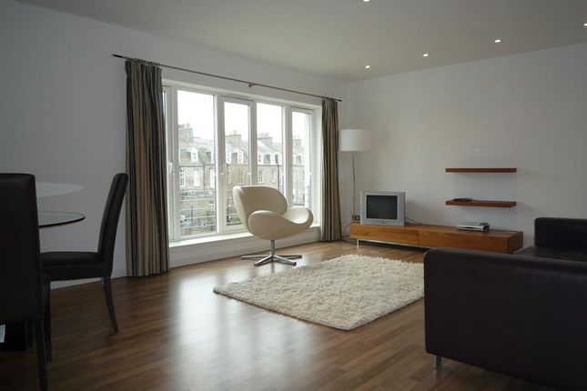 2 bed flat to rent in Dempsey Court, Queen's Lane North AB15