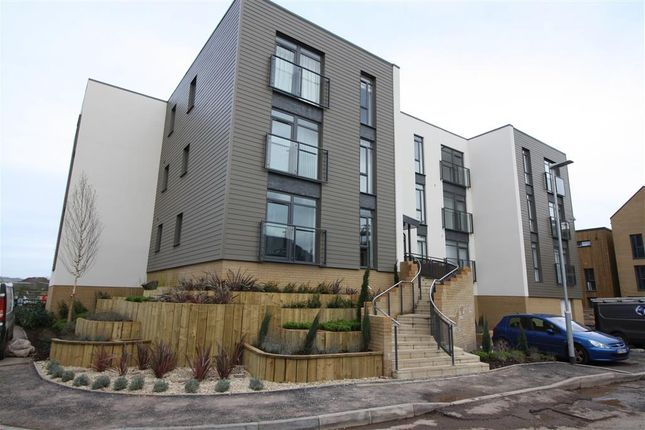 Thumbnail Flat to rent in Firepool Crescent, Taunton