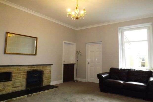 Thumbnail Flat to rent in Moorpark Road West, Stevenston