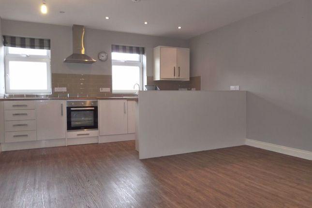 Flat to rent in Tower Street, Harrogate