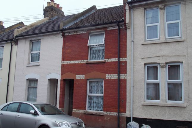 3 bed terraced house for sale in Catherine Street, Rochester