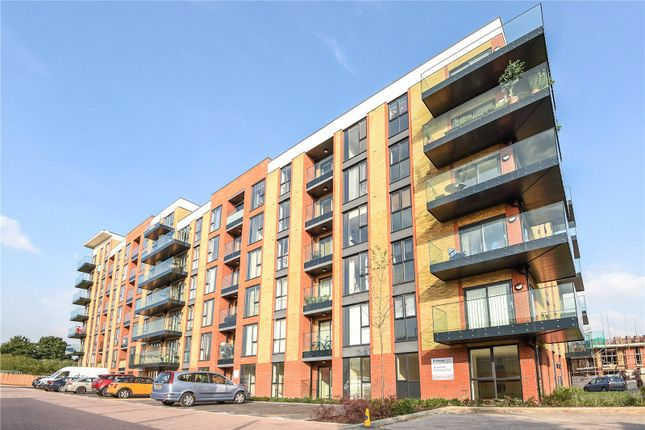 Thumbnail Flat to rent in Oscar Wilde Road, Reading, Berkshire