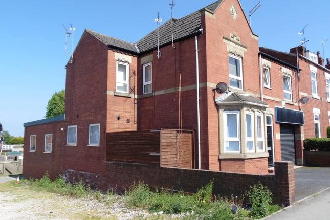 Thumbnail Flat to rent in Kirkby Road, Hemsworth
