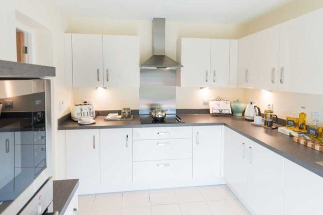 Flat for sale in Josiah Drive, Ickenham, Uxbridge