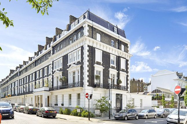Thumbnail Flat for sale in Onslow Square, South Kensington, London