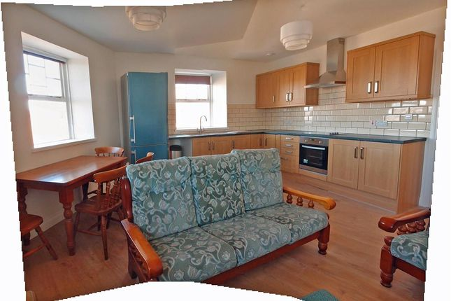 4 bed flat to rent in West Road, Lancaster