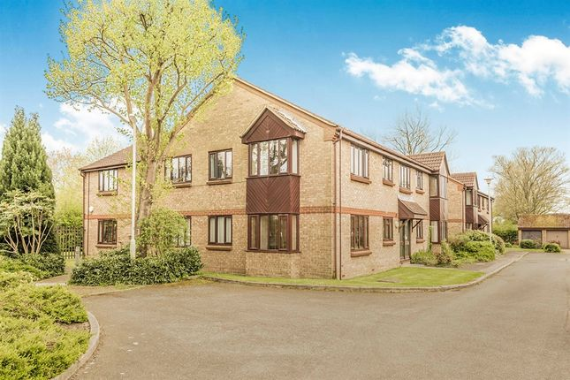 2 bed flat for sale in Duncan Close, Welwyn Garden City