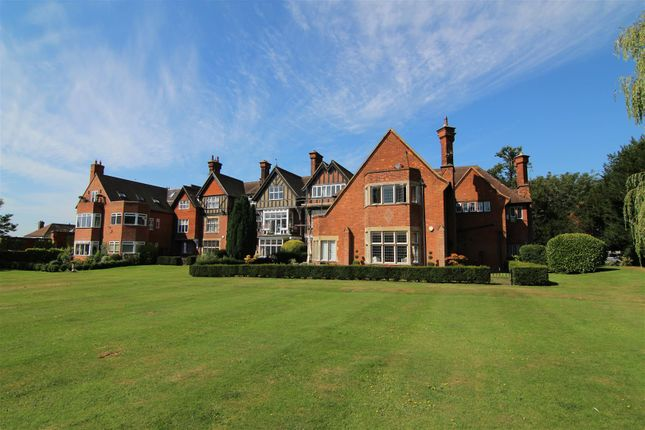 Thumbnail Flat for sale in Mapleton Road, Four Elms, Edenbridge