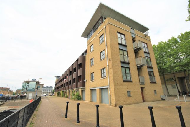 Thumbnail Terraced house to rent in Rope Street, Surrey Quays, London