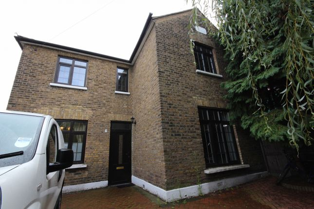 Thumbnail Property to rent in Firs Close, London