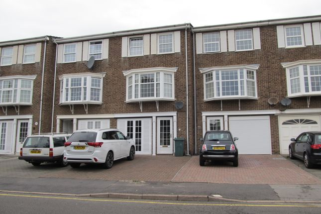 Thumbnail Town house to rent in Tubbenden Lane, Orpington