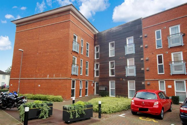 2 bed flat for sale in Holman Court, Ipswich