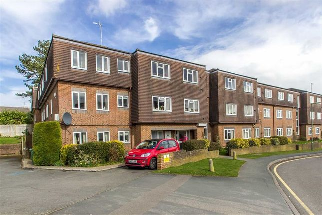 Thumbnail Flat for sale in Beatrice Lodge, Oxted, Surrey