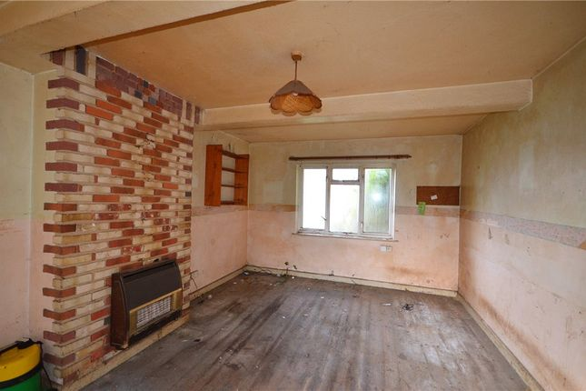 Living Room of Dulverton Gardens, Reading, Berkshire RG2