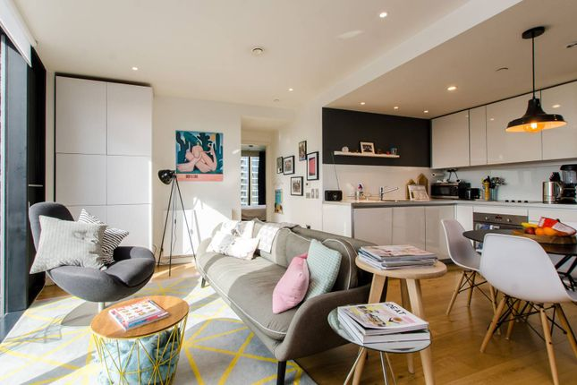 Thumbnail Flat to rent in Walworth Road, Southwark