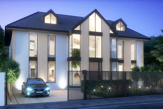 Thumbnail Detached house for sale in Spareleaze Hill, Loughton