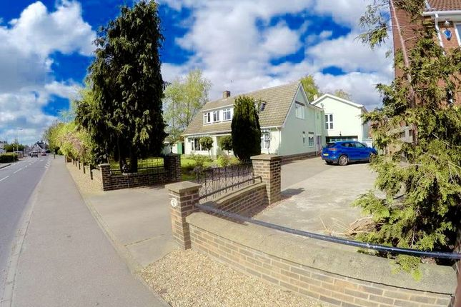 Thumbnail Detached house for sale in Low Road, Spalding