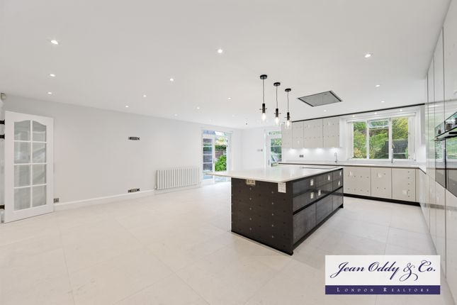 Thumbnail Detached house to rent in Norrice Lea, Kenwood, London