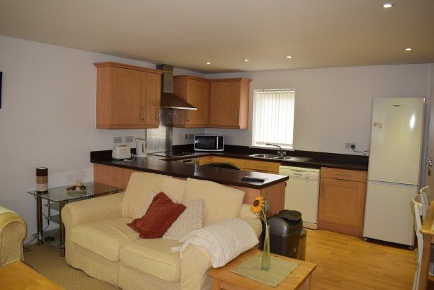2 bed flat to rent in Moorland Green, Swansea SA4