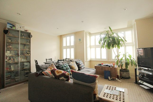 Thumbnail Flat to rent in Frith Road, Hove