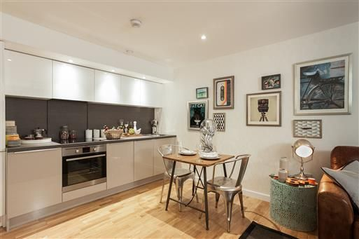 Flat for sale in 27 The Vale, Acton