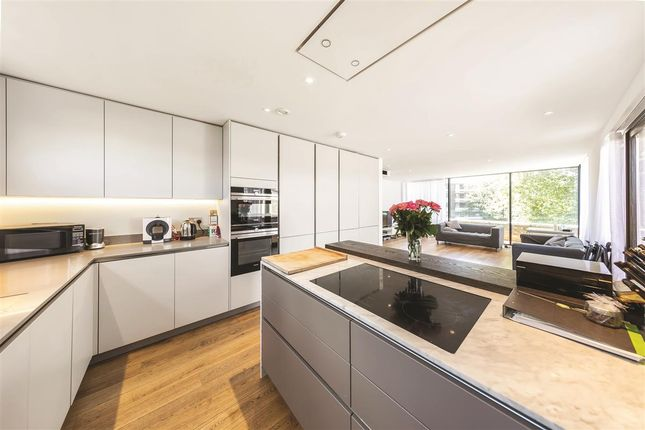 Thumbnail Penthouse for sale in Dyers Lane, London