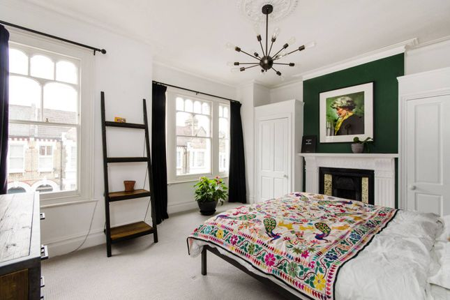 Thumbnail Property for sale in Kingscourt Road, Streatham Hill